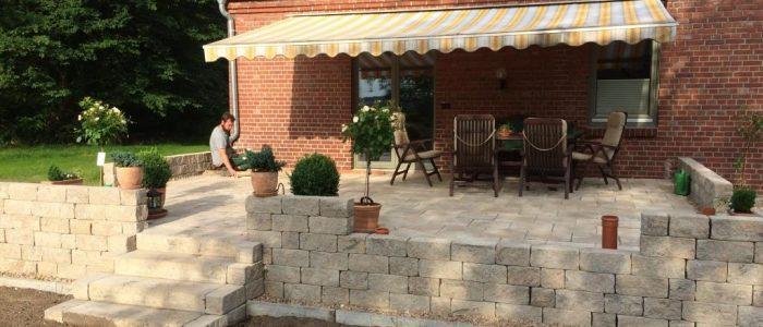 Terrassengestaltung mit einer Trockenmauer, Dirk Prothmann Garten- und Landschaftsbau, Hille