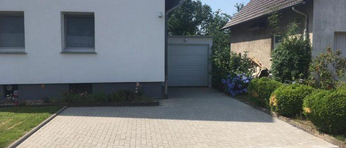 Pflasterarbeiten mit Betonpflastersteinen, Dirk Prothmann Garten- und Landschaftsbau, Hille
