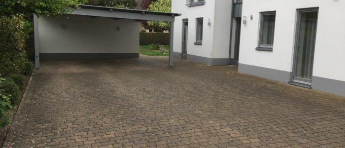 Reinigen und versiegeln einer 15 Jahre alten Hoffläche, Dirk Prothmann Garten- und Landschaftsbau, Hille